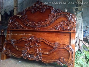 dipan ranjang tempat tidur kayu jati ukiran arimbi jepara size180x200cm